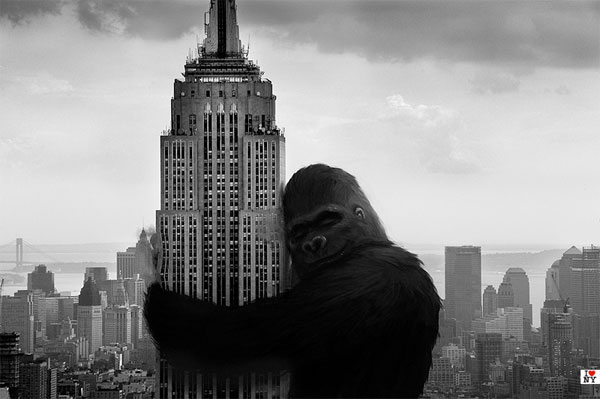 EMPIRE STATE BUILDING_king-kong-hugs-the-empire-state-building_01_060112