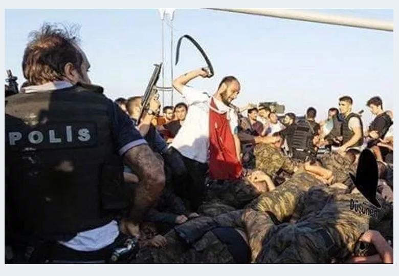TURKEY COUP ERDOGAN SOLDIER 55 180716 (1)