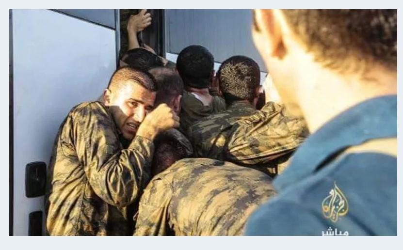 TURKEY COUP ERDOGAN SOLDIER 55 180716 (10)