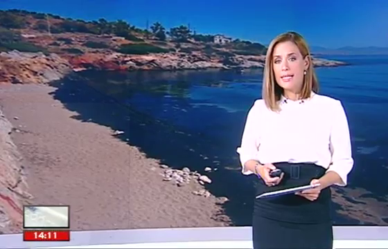 Ευθεία κορίτσι παρασυρθεί από λεσβιακό βίντεο